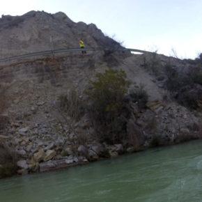 Limpieza de los derrumbamientos en la A-132 a su paso por Murillo